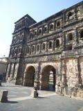 Старые ворота города в Трир стоковое фото