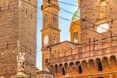Старые дворцы болонья в Италии Стоковые Изображения