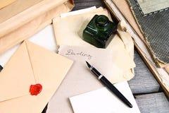 Старые времена - сочинительство любовного письма Стоковые Изображения