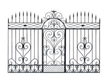 Старые выкованные загородка и дверь с орнаментом. Стоковые Изображения RF