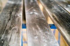 Старые выдержанные планки тимберса на палубе или стенде Стоковые Изображения RF