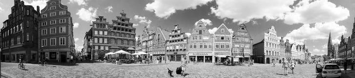 Старые городок или городская площадь Стоковая Фотография