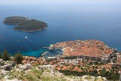 Старые городок и остров Lokrum dubrovnik Хорватия Стоковые Изображения