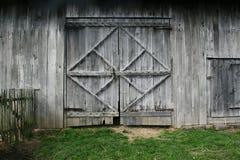 Старые двери амбара Стоковые Изображения RF