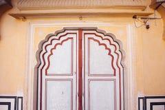 Старые двери Hawa Mahal Hawa Mahal, дворец ветров внутри Стоковое Изображение RF