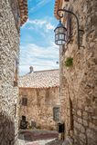Старые деревенские каменные здания во Франции стоковая фотография rf