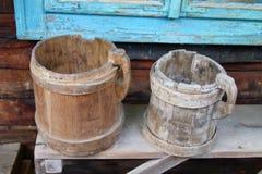 Старые деревянные кружки Стоковое Изображение