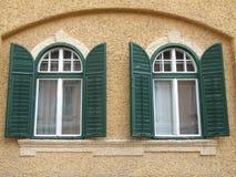 Старые деревянные окна Стоковая Фотография RF