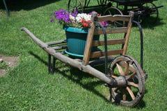Старые деревянные тележки больше чем 100 лет Стоковые Изображения