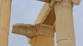 Старые детали дизайна архитектуры, architrave мраморного столбца поддерживая остаются видеоматериал
