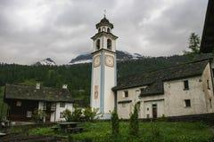 Старые дома на части долины maggia Швейцарии стоковые фото