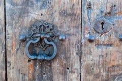 Старые деревенские ручка и замок Стоковые Изображения RF