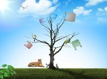 Старые дерево и животное стоковые изображения