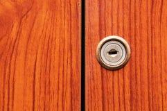 Старые деревянные двери шкафа Стоковое Изображение