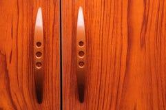 Старые деревянные двери шкафа Стоковая Фотография