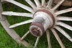 Старые деревянные колеса телеги Стоковая Фотография