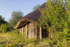 Старые деревянные дома, бревенчатые хижины Стоковые Изображения RF