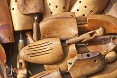 Старые деревянные пусковые площадки ботинка Стоковая Фотография RF