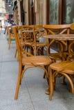 Старые деревянные стулья стоковое фото rf