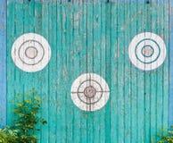 Старые деревянные цели на загородке Стоковые Фото