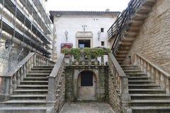 старые лестницы Стоковые Изображения