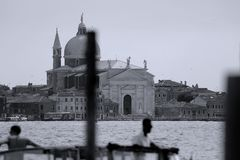 Старые здания в Венеции, Италии, взгляде над каналом Стоковые Фотографии RF