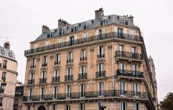Старые здания в Париже, Франции стоковое изображение rf