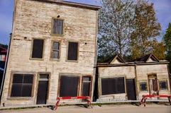 Старые здания наследия в городе Dawson, Юконе стоковые фотографии rf