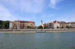 Старые здания на береге реки Будапеште Венгрии Дуная Стоковые Изображения RF