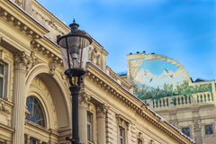 Старые здания и фонарик улицы Стоковые Фото