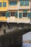 Старые здания над River Arno, Флоренсом Стоковые Фото