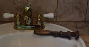 Старые инструмент и раковина Стоковое Изображение