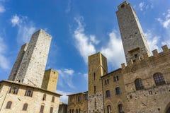 Старые каменные башни на San Gimignano в Тоскане, Италии Стоковые Фото