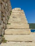 Старые каменные лестницы стоковая фотография rf