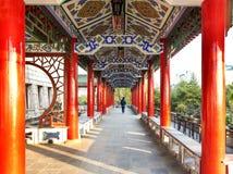 Старые китайские архитектурноакустические характеристики андалузита гуляют стоковые фотографии rf