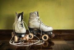 старые коньки ролика Стоковая Фотография