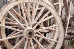 старые колеса фуры Стоковые Изображения RF