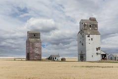 Старые лифты зерна прерии Стоковые Изображения RF