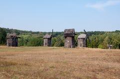 Старые мельницы в музее под открытым небом Pirogovo Стоковые Фото