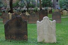 Старые надгробные плиты в Нью-Йорке Стоковое фото RF