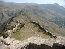Старые остальнои стойкости Smbataberd в армянских горах стоковая фотография