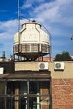 Старые покинутые закрытые стальные стальные изделия водонапорной башни Стоковые Фотографии RF