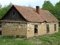 Старые покинутые сделанные дома?? грязи стоковые изображения rf