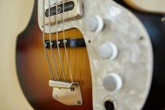 Старые превосходные electro и басовые гитары Стоковое Изображение
