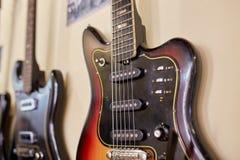 Старые превосходные electro и басовые гитары Стоковые Изображения RF
