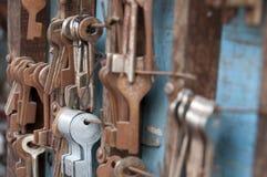 Старые ржавые ключи замка Стоковые Фото