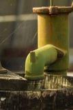 Старые ржавые faucet и паутина Стоковое Фото