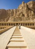Старые руины большого виска Hatshepsut Стоковые Фото