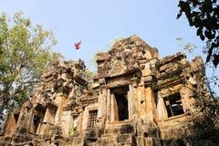 Старые руины виска около Battambang внутри стоковое изображение rf