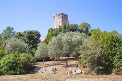 Старые руины в городке Ла Turbie стоковое фото